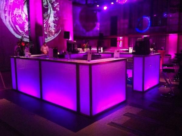 mobile bar moving bars. Black Bedroom Furniture Sets. Home Design Ideas